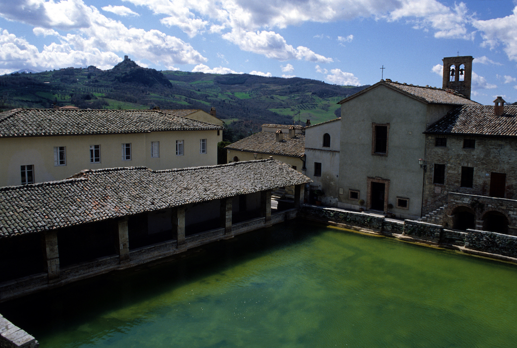 La vasca di caterina a bagno vignoni sentieri d 39 autore - Osteria del leone bagno vignoni ...