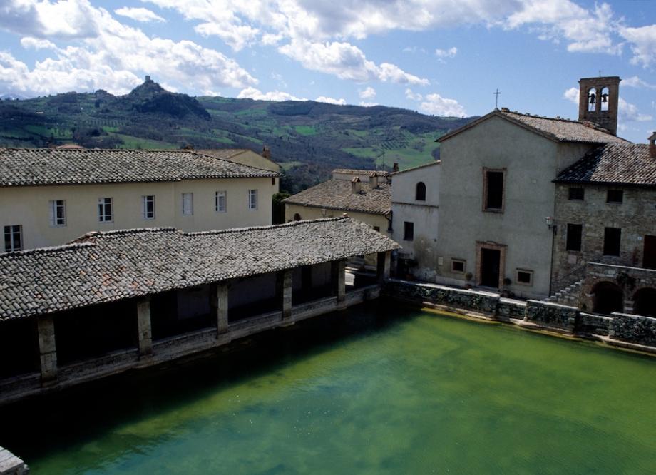 La vasca di Caterina a Bagno Vignoni – sentieri d\'autore