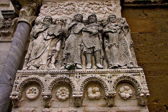 S.Giovanni in Venere.portale-2